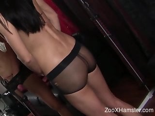 Wormy pussy torture for a sexy lezdom slavegirl